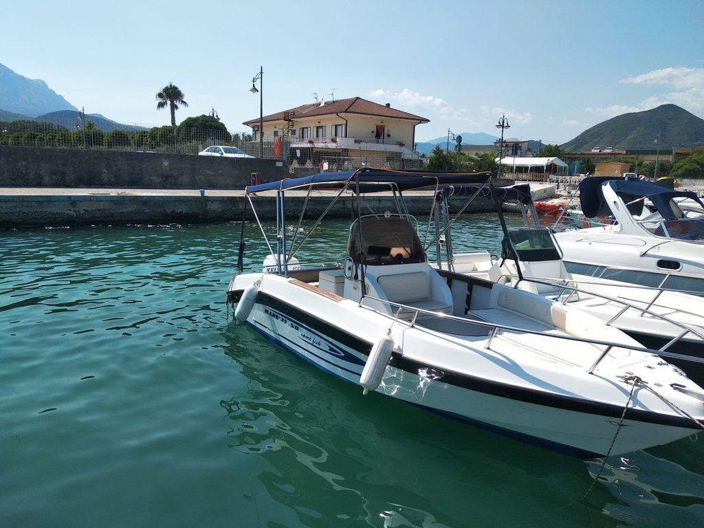 Barca Manò